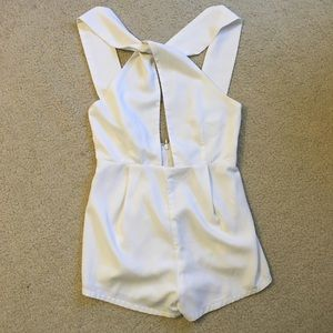 Forever 21 white twist front keyhole romper